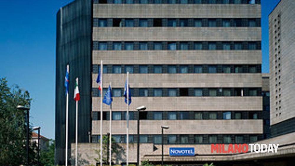 Trovato morto in albergo a milano novotel viale suzzani uomo portoghese di 65 anni - Piscina viale suzzani ...
