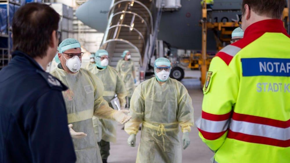 Coronavirus, diminuiscono nuovi contagi e deceduti; in totale 41mila in Lombardia thumbnail