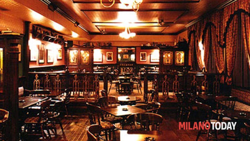 Madrigal irish pub for Arredamento pub irlandese
