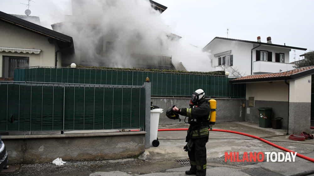 Incendio a Carugate (Milano) domenica 25 febbraio 2018 ...
