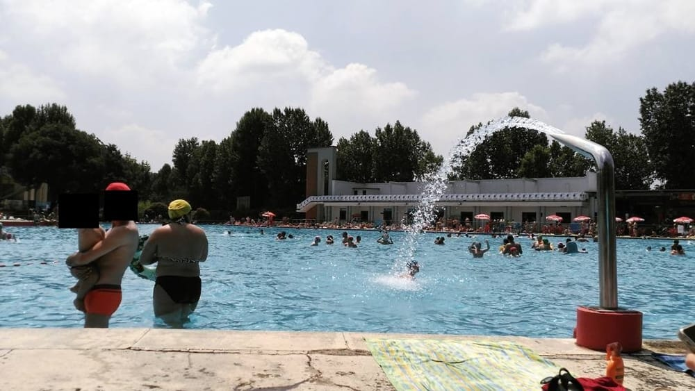 Piscine aperte comunali all 39 aperto 2017 a milano orari for Piscina lainate