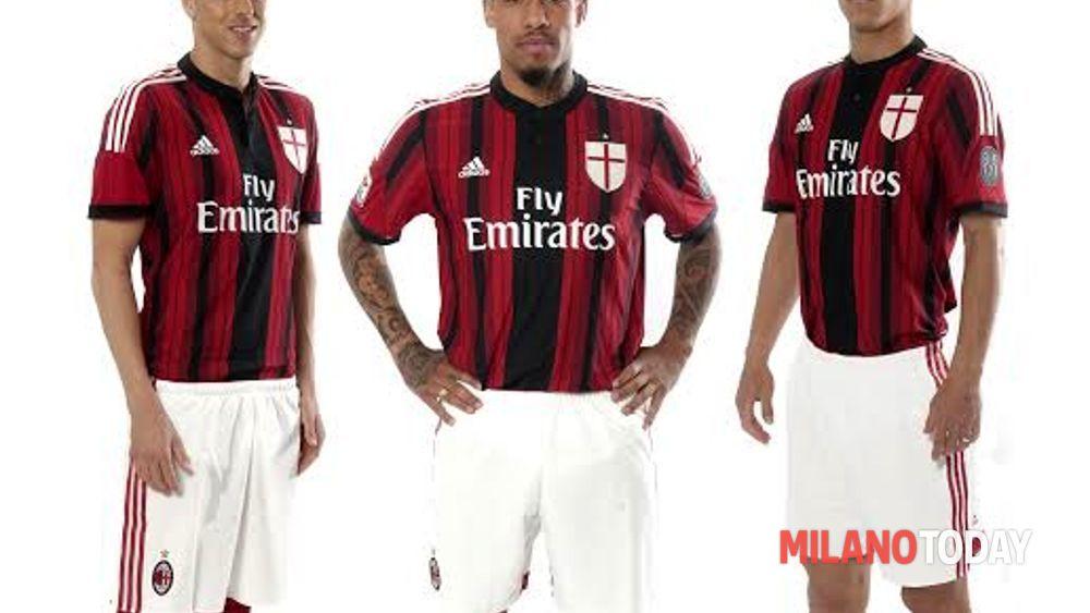 b04e5dbb3d860c Presentate prima e terza maglia del Milan stagione 2014/2015