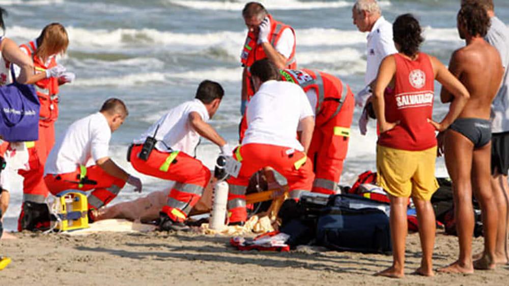 Dramma all'Elba: milanese muore in spiaggia. È il secondo turista morto in due settimane