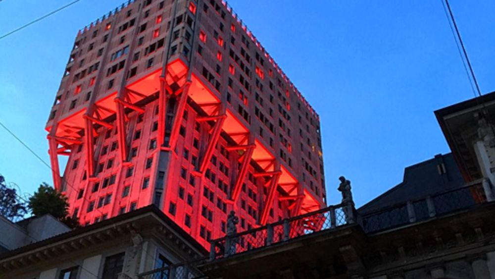 mostra audi e luce rossa per il fuorisalone orari e