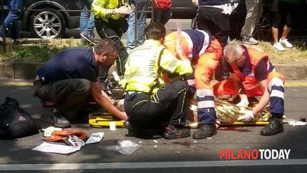 Incidente a Magenta, schianto auto-moto: centauro elitrasportato in codice rosso