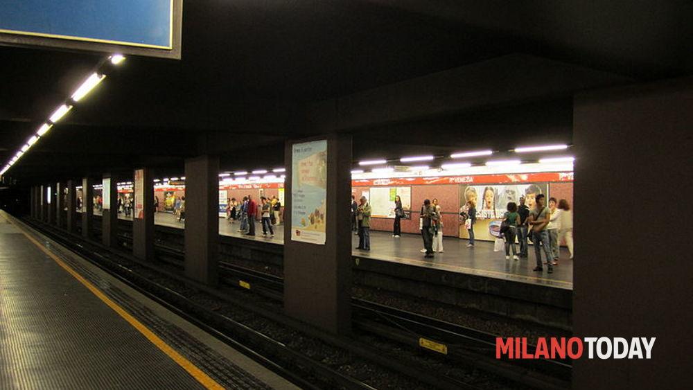 Suicidio in metropolitana metr rossa linea 1 for Porta venezia metro