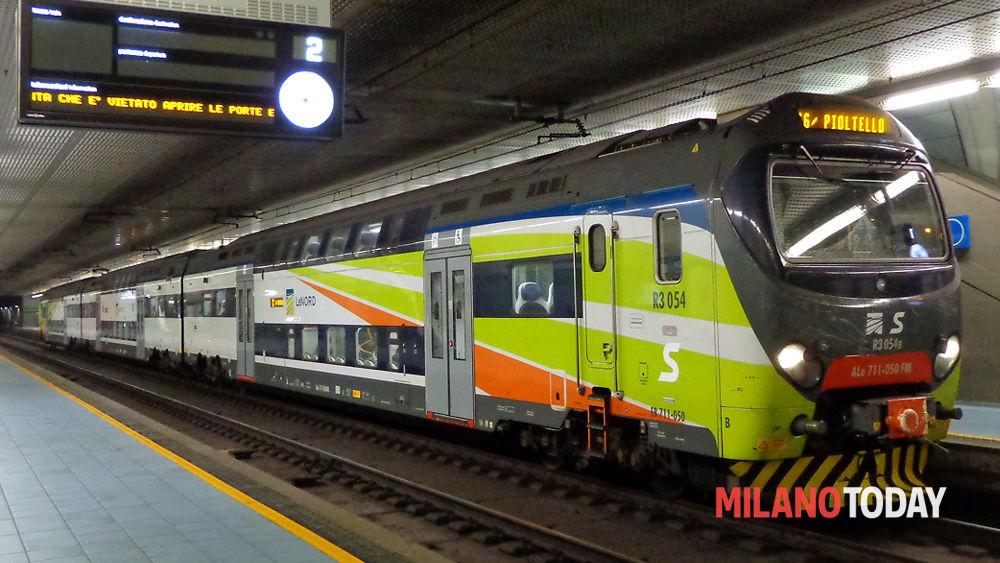 Milano il treno del passante ferroviario travolge e - Treno milano porta garibaldi bergamo ...