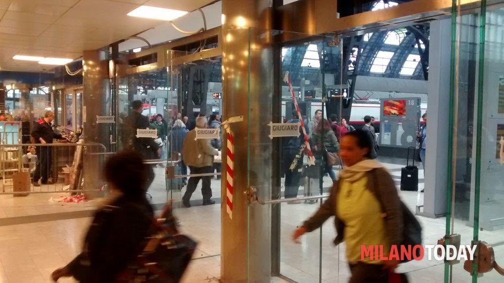 Stazione centrale milano porte d 39 ingresso all 39 area - Treno milano porta garibaldi bergamo ...