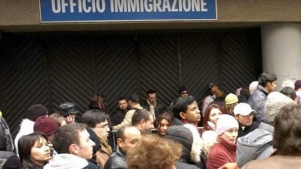Permessi Di Soggiorno Falsi Denunciato Avvocato Truffava I Migranti Tra Le Vittime Un Milanese