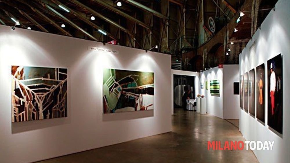 notte bianca dell 39 arte a milano affordable art fair 20. Black Bedroom Furniture Sets. Home Design Ideas