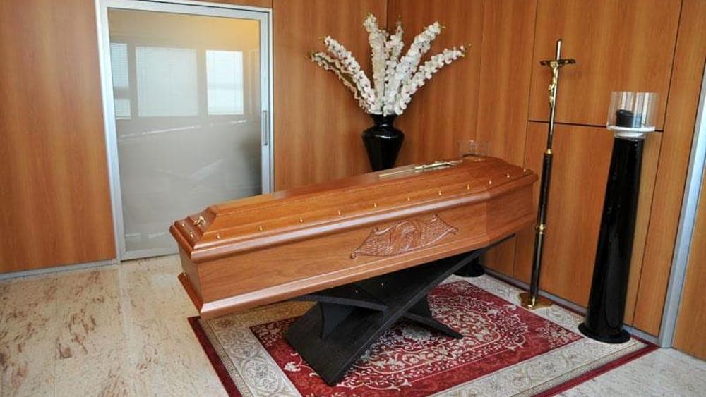 Nova milanese rissa in camera mortuaria - Foto in camera ...