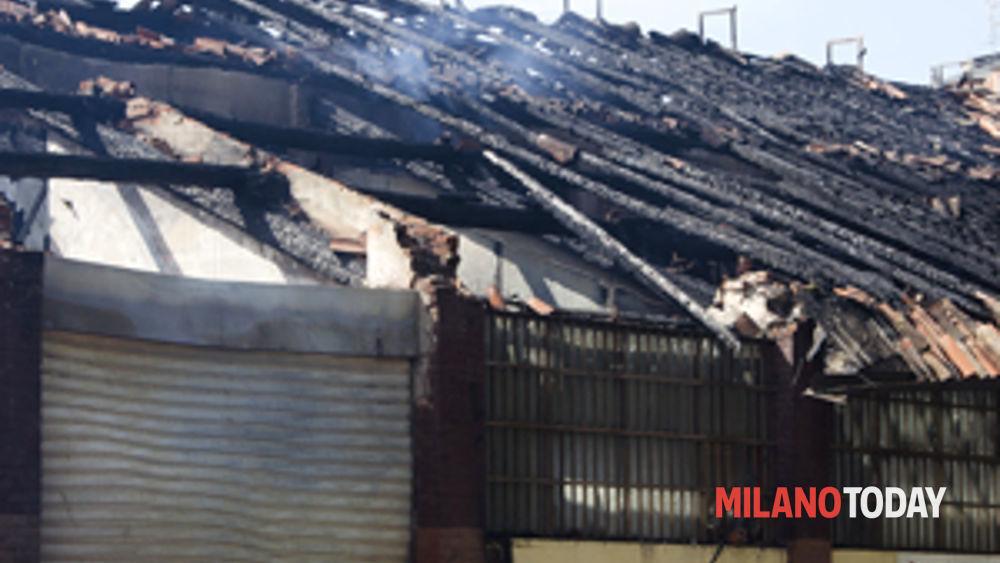 Incendio e crollo della vecchia cascina asta barona for Corbetta arredamenti