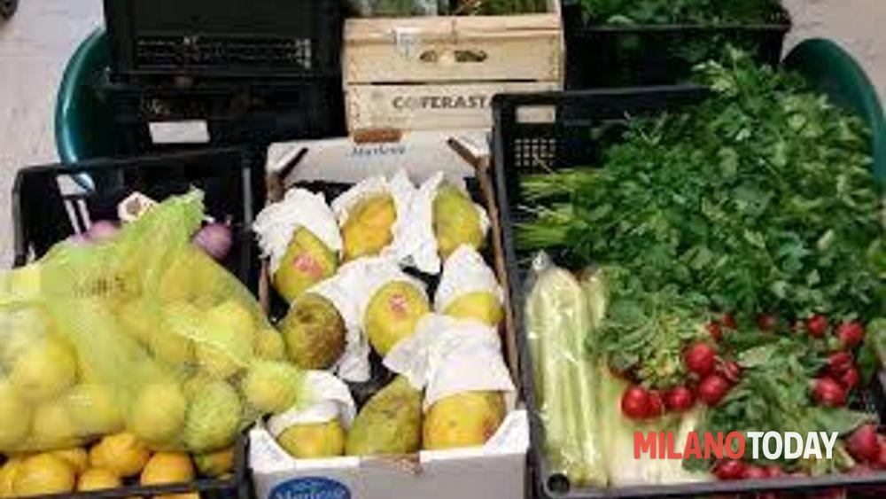 Sequestro di frutta e verdura abusivi al mercato di cesano for Mercato frutta e verdura milano